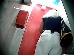 Restroom porn clips